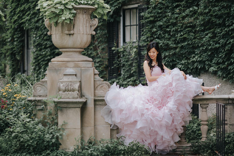 Toronto York University Glendon Campus Prewedding bride portrait