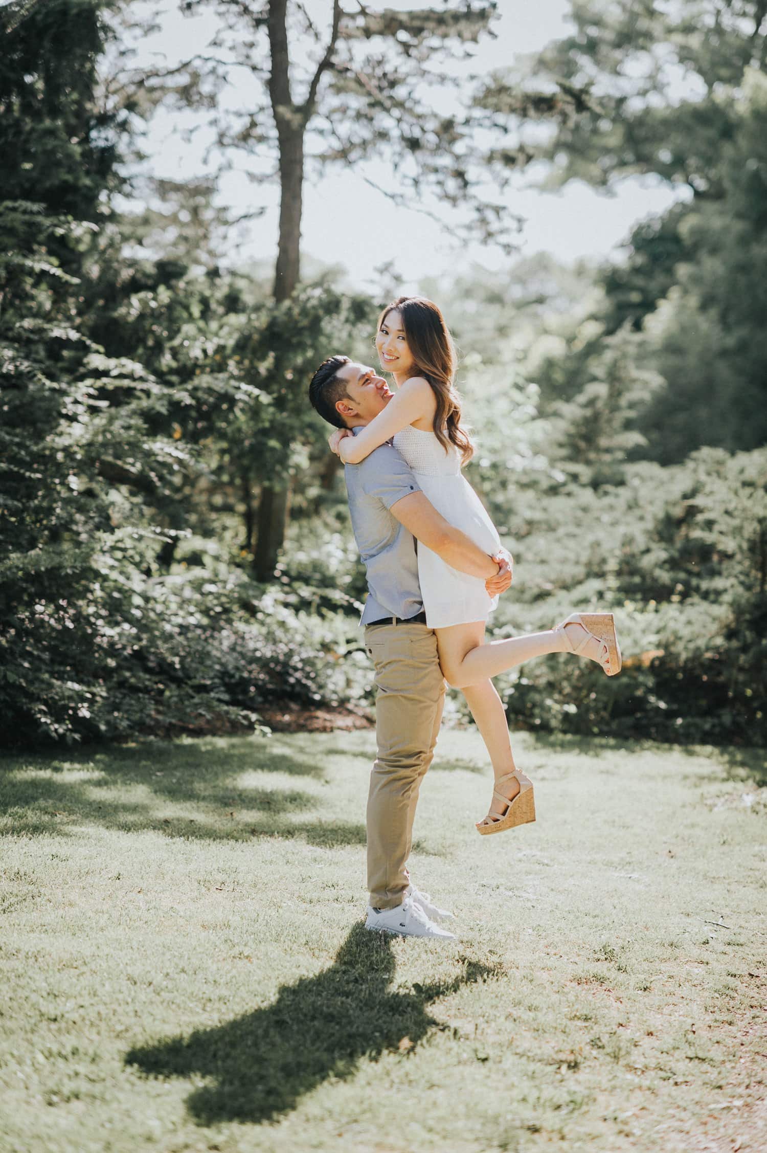 Toronto Royal Botanical Garden Spring Engagement Session