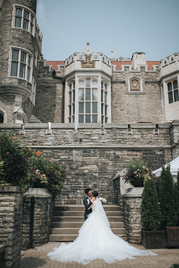 Casa Loma Toronto Wedding bride and groom photo