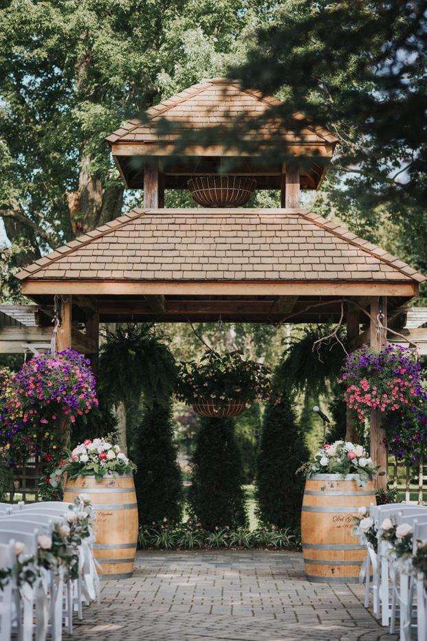 Madsens Greenhouse Wedding ceremony