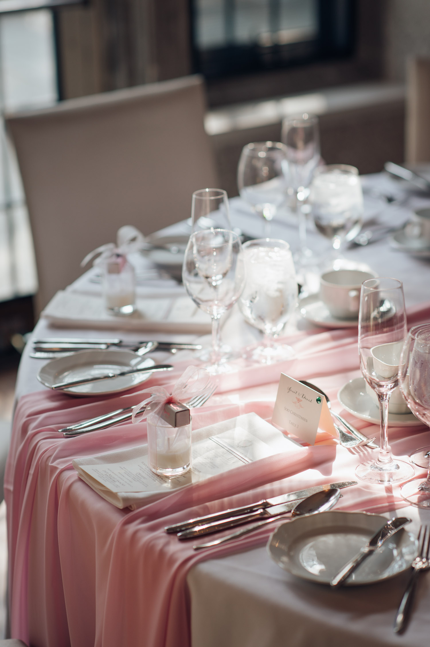 The table setting at the Wedding Reception of Estates of Sunnybrook Vaughan Estate