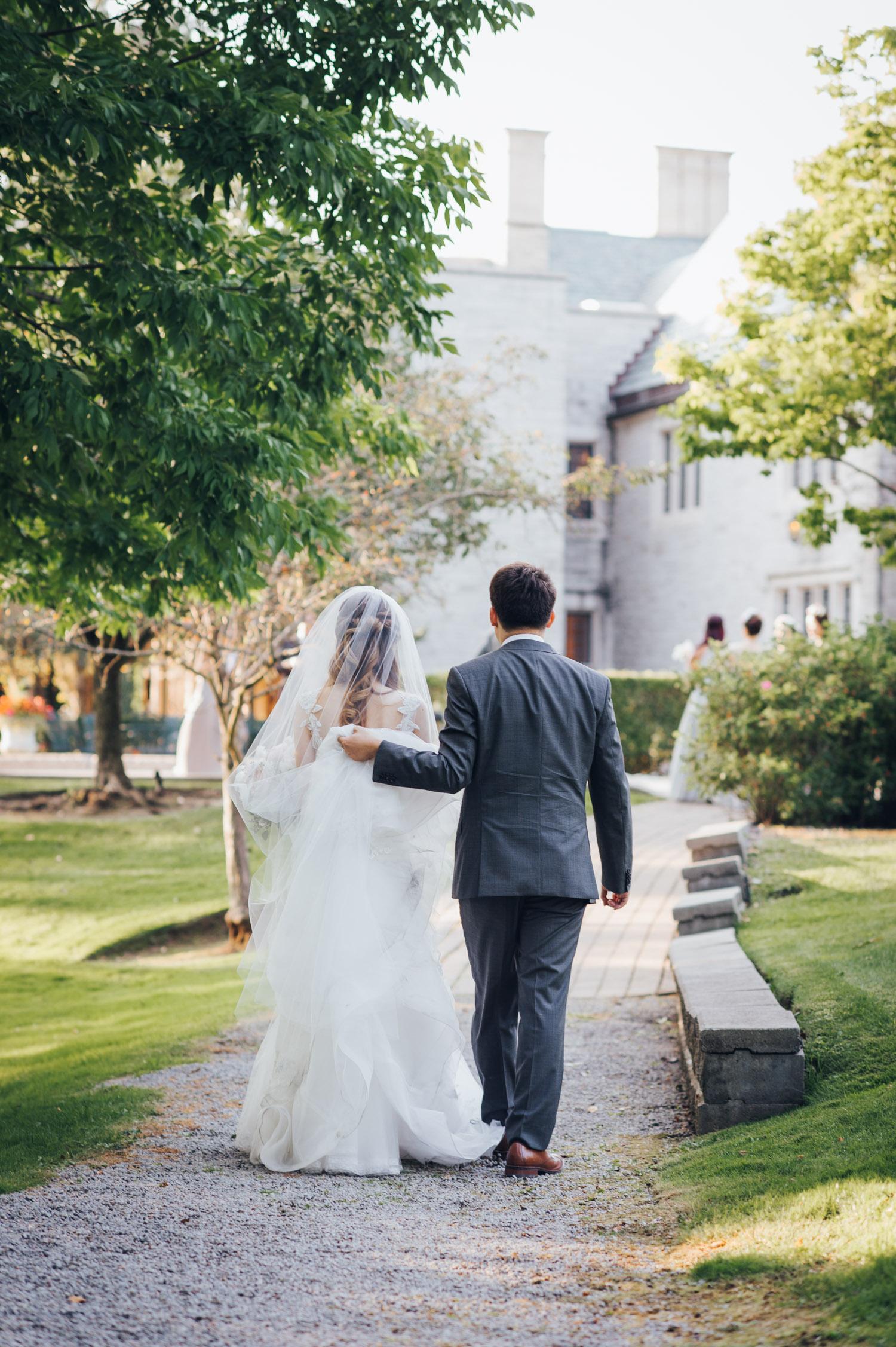Sunnybrook Vaughan Estate Wedding Photo