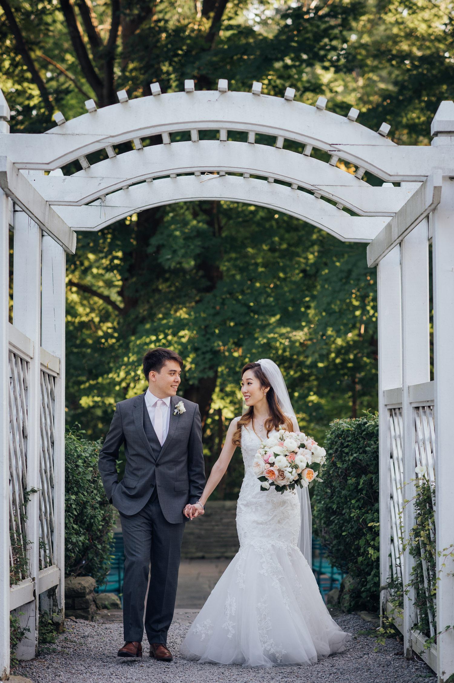 Toronto Outdoor Wedding Ceremony Location at Vaughan Estate