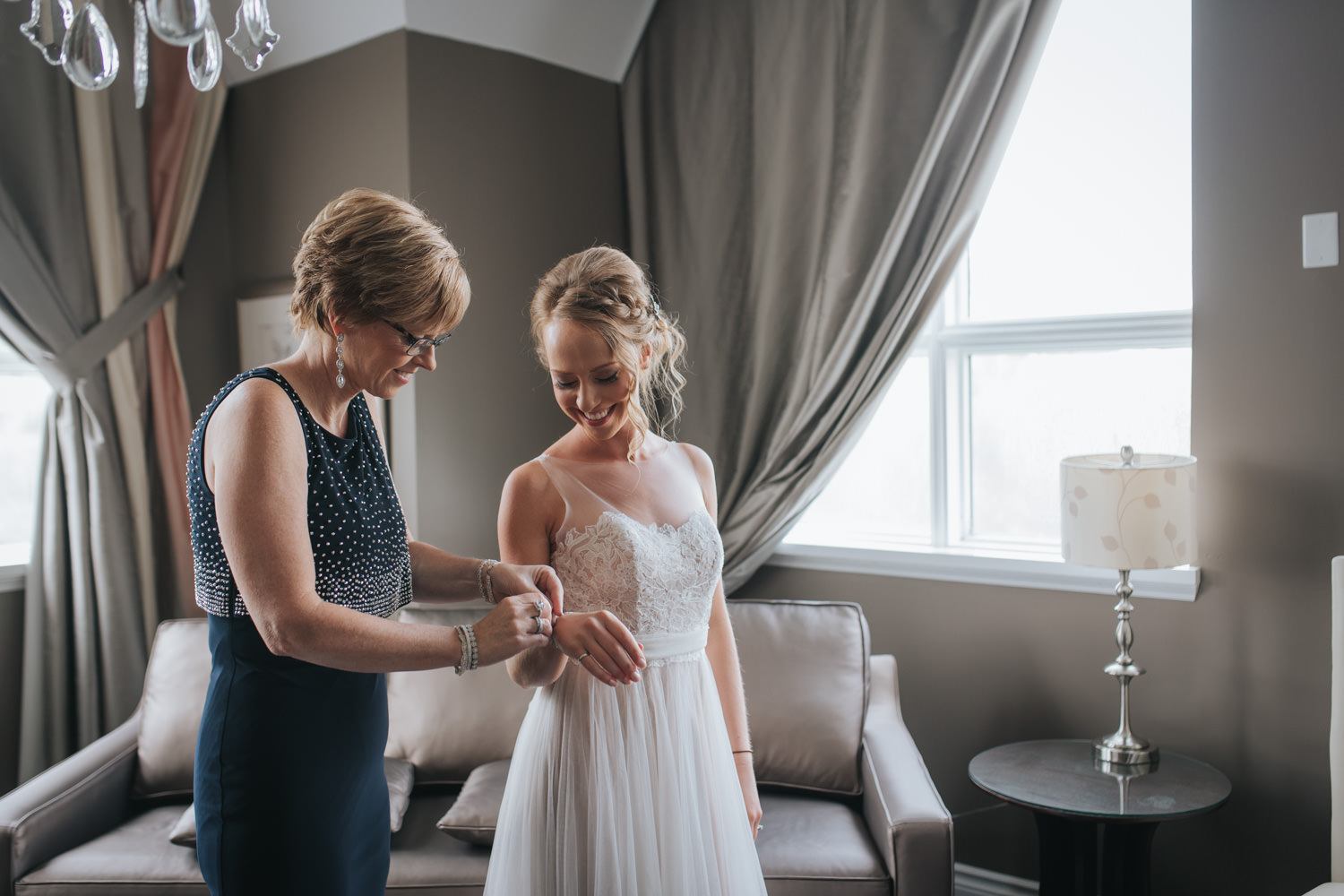 Mother and daughter moment at the Elm Hurst Inn and Spa Bridal Suite