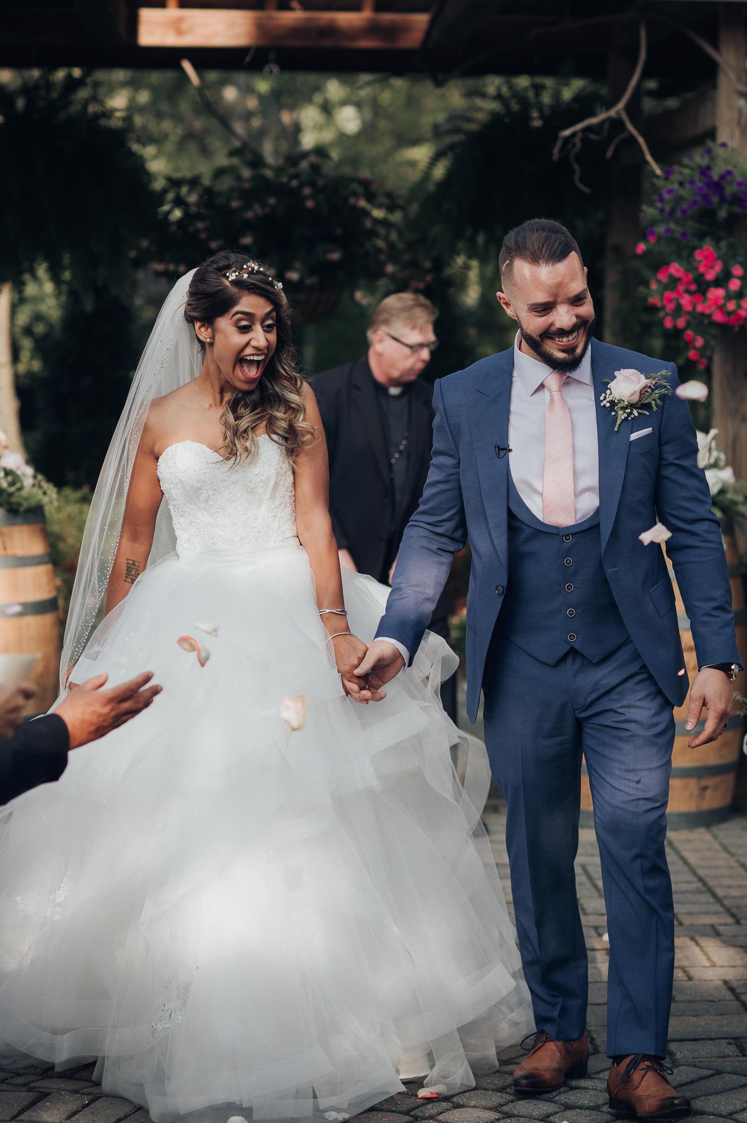 Madsens Greenhouse Wedding Photographer Outdoor Ceremony