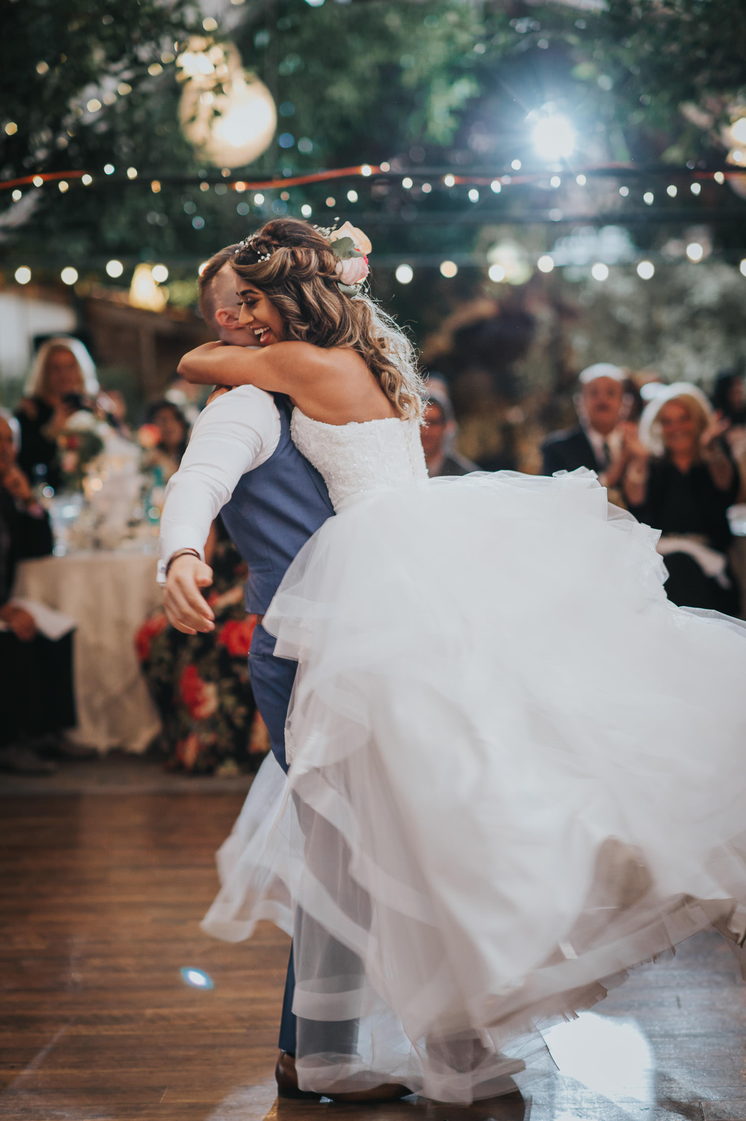 Madsens Greenhouse Wedding Photographer capturing the unbelievable first dance of bride and groom