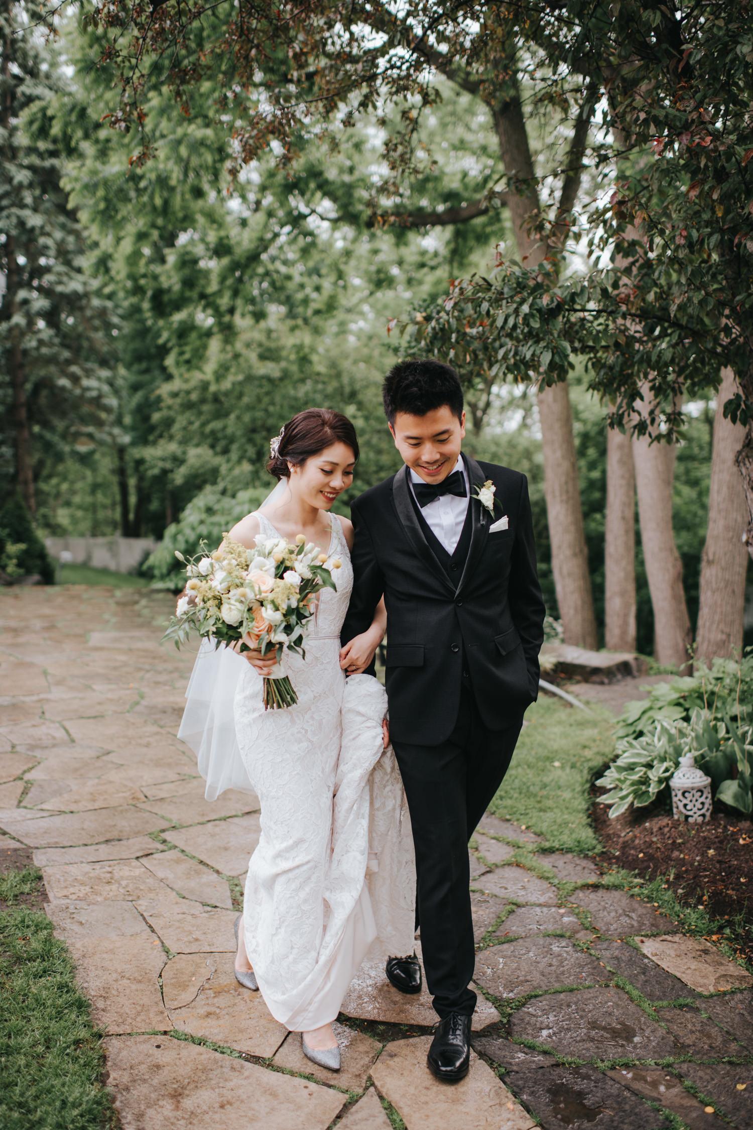 Doctor's House wedding ceremony raining outdoor romantic photo