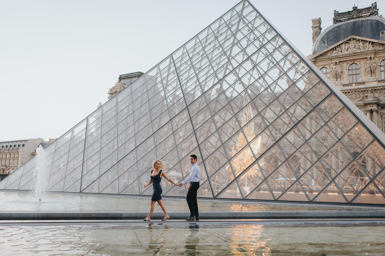Paris Louvre Engagement session during sunset
