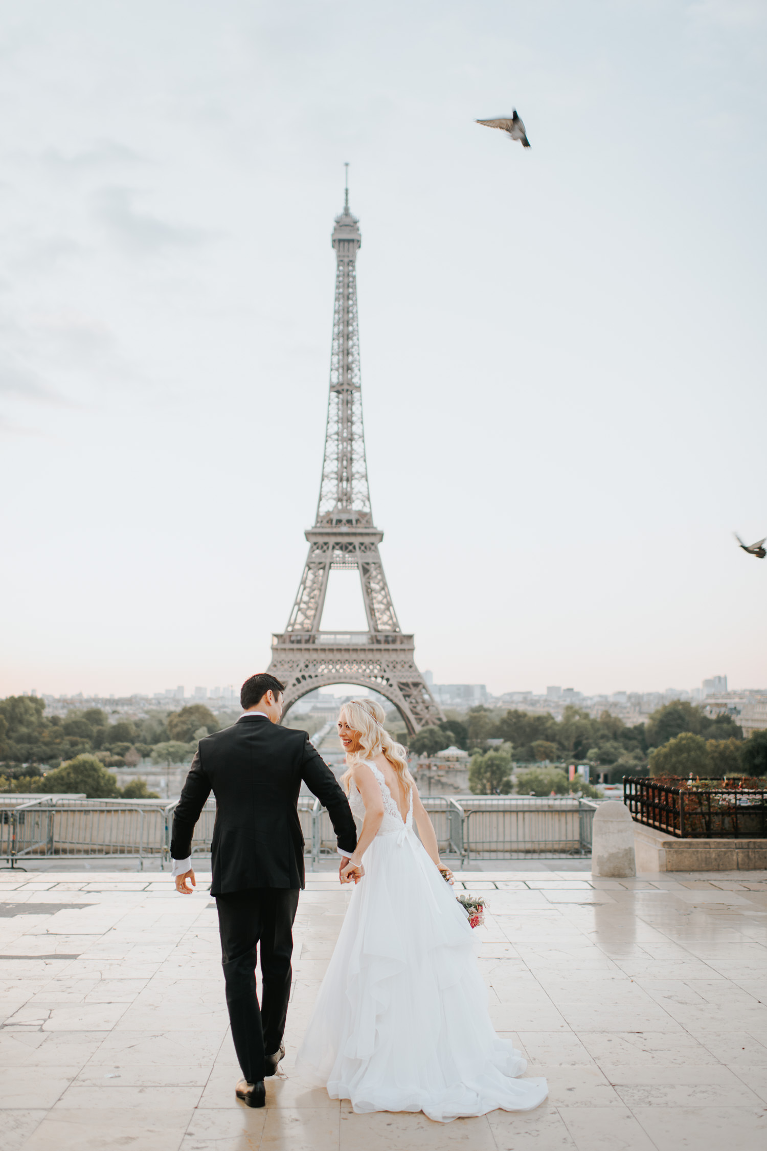 Paris Eiffel tower elopement inspiration
