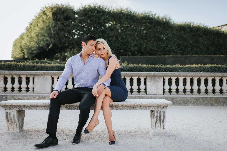 Paris engagement photo inspiration at Jardins de Tuileries