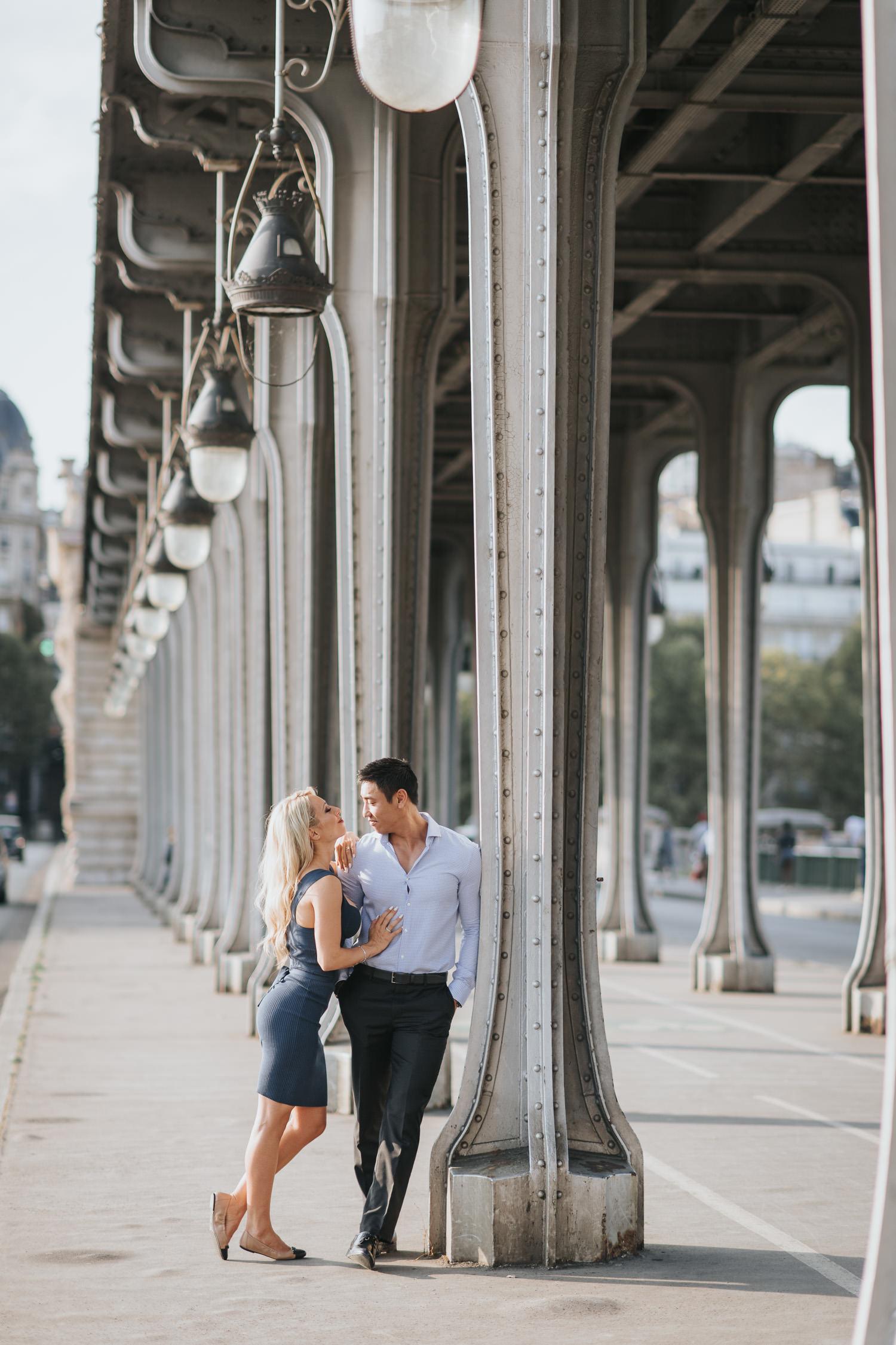 Pont de Bir-Hakeim elopement photo