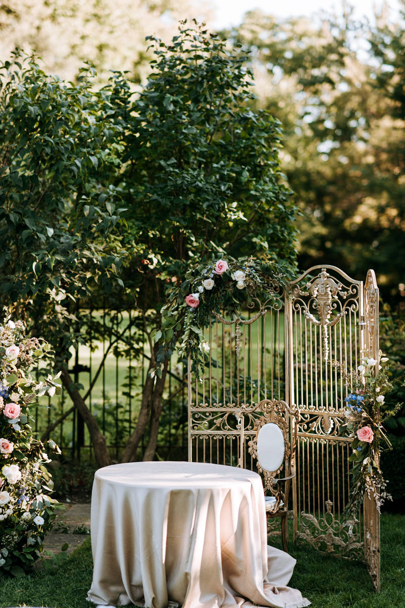 Graydon Hall Outdoor Wedding Signing Table