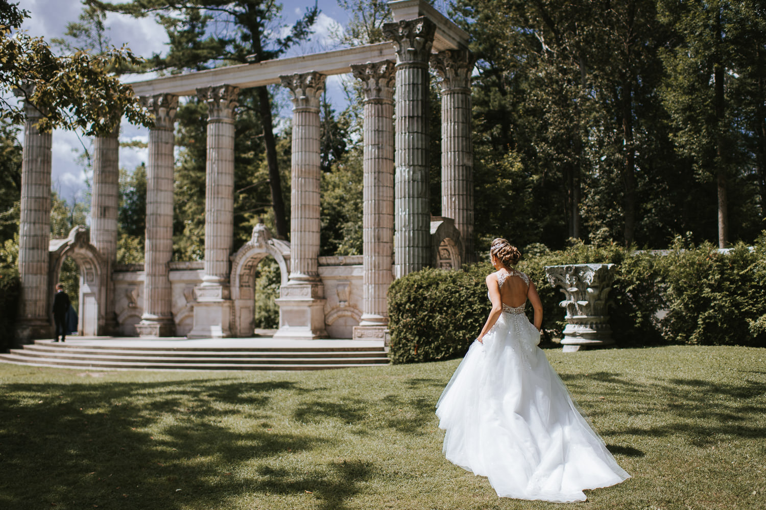 Guildwood Inn Toronto Wedding Portrait at the Greek Theatre