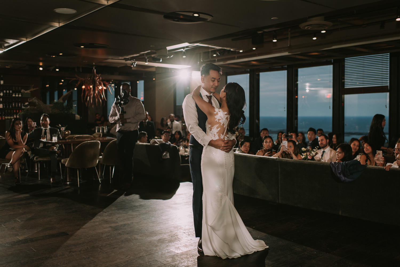 Toronto Canoe Restaurant Wedding First Dance