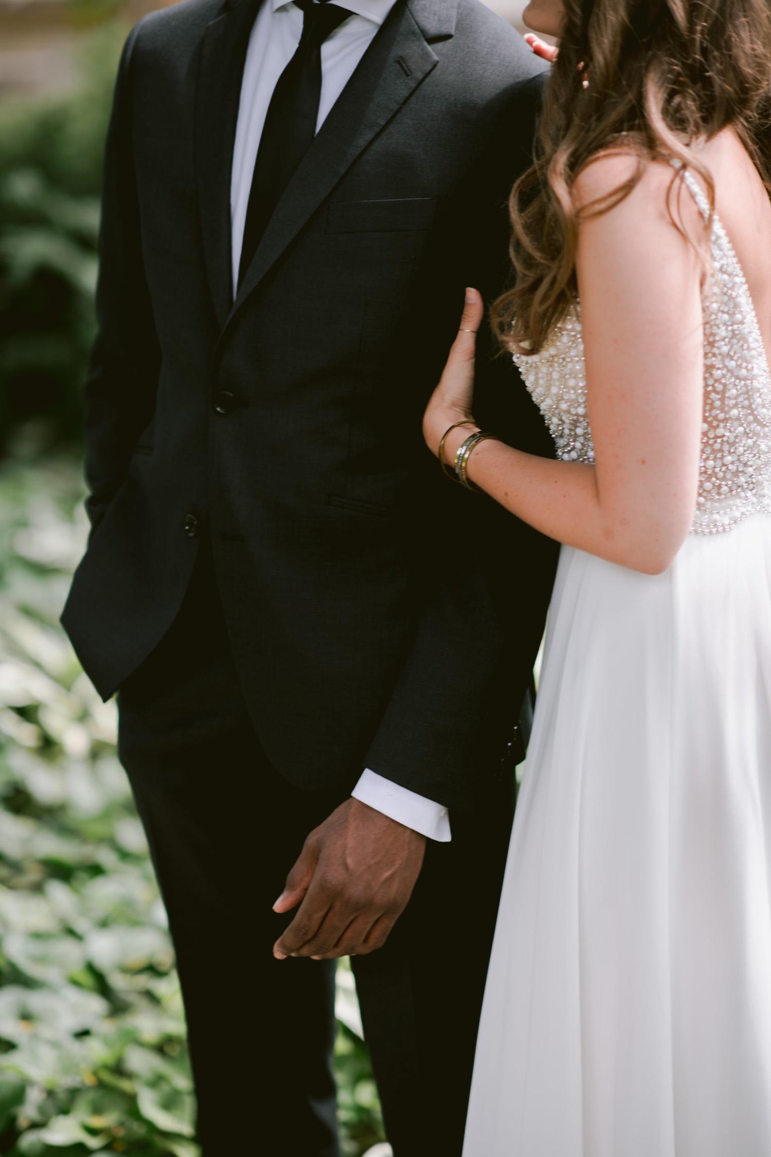 Intimate wedding elopement at Allen Gardens Toronto high end wedding photography