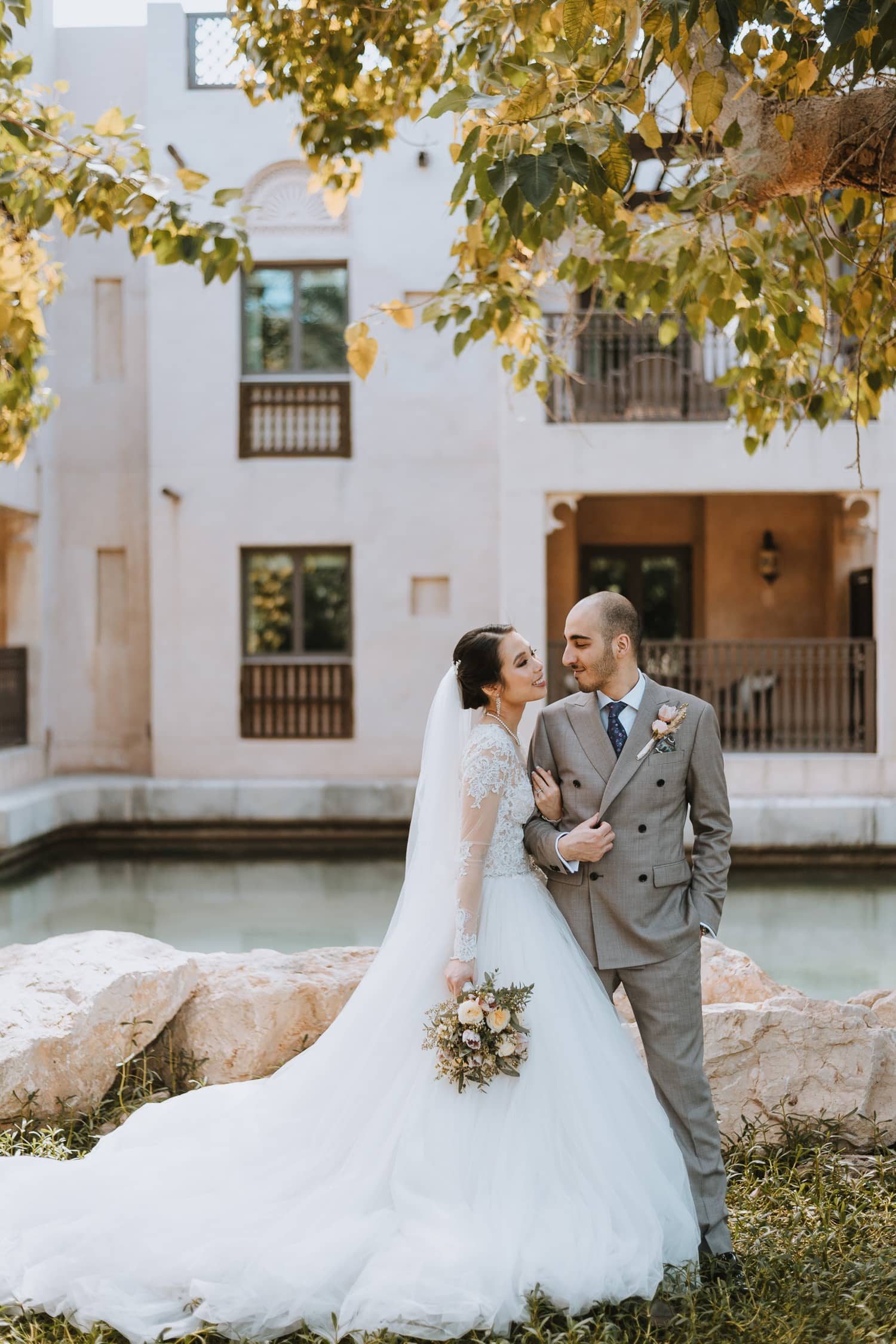Whimsical Dubai Destination Wedding Photo Jumeirah Al Qasr